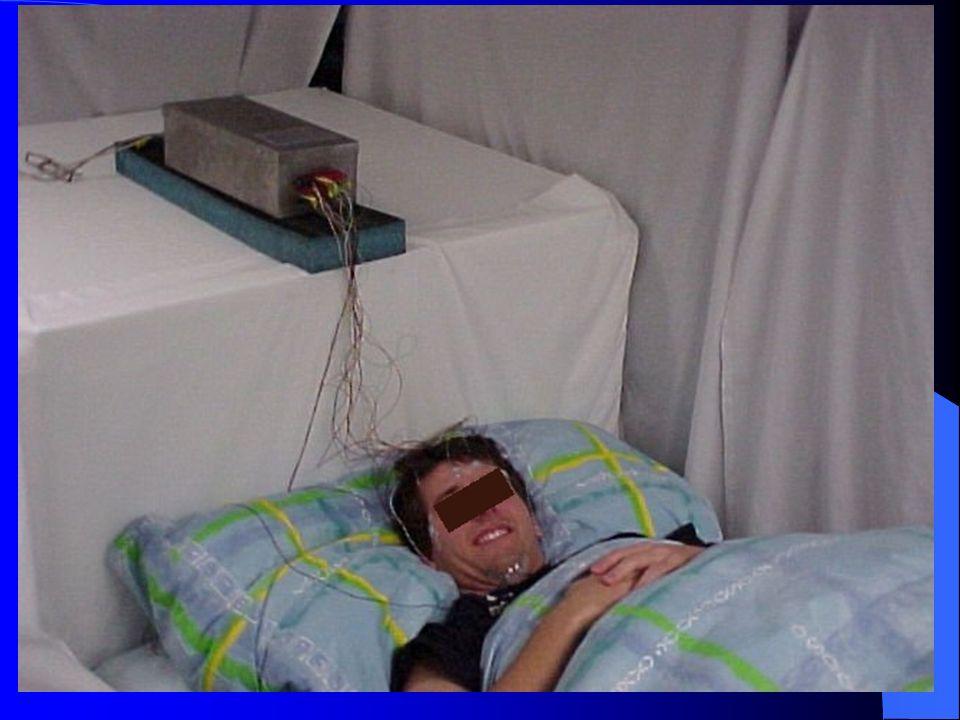 Uyku Fazları ( NREM / REM ) EEG, EOG ve EMG yardımıyla 1 - 4 NREM (SWS, senkronize ve ortodoks) uyku fazları ve REM (desenkronize, paradoks uyku) uyku fazı ayırt edilir.