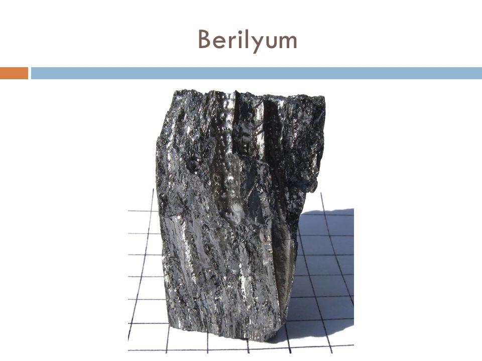 Magnezyum Magnezyum (Mg), gümüş beyazlı ğ ında bir metaldir ve genellikle alaşım maddesi olarak, yani başka metallerle karıştırılarak kullanılır.