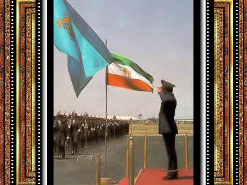 Pehlevi Ailesi Baba Rıza Şah Pehlevi 1878 'de İran'da doğdu..Ordu içersinde yükselip Pehlevi Hanedanını kurmuştur..Yerini oğlu Muhammed Rıza Pehlevi'ye bırakan Rıza Şah 1944 yılında öldü..