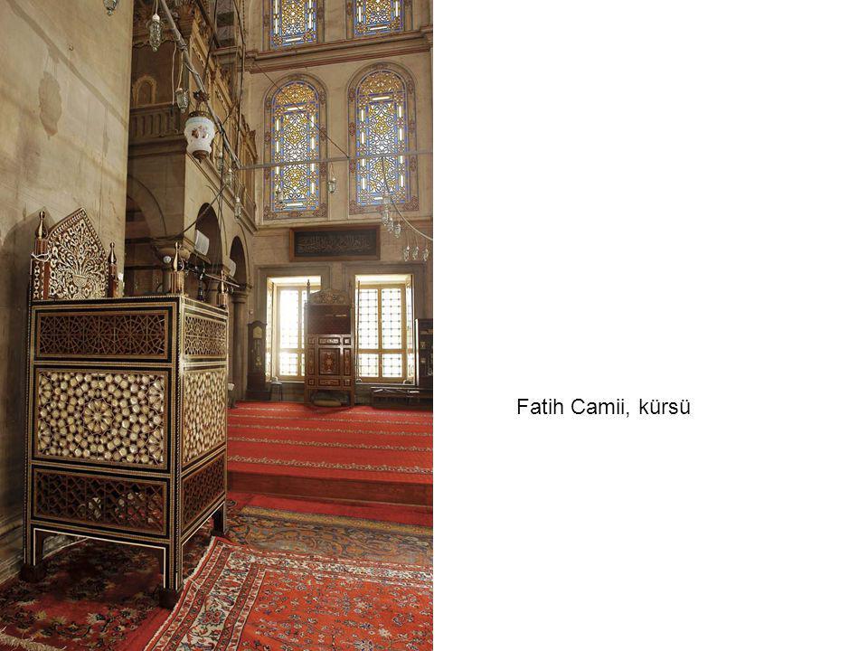Fatih Camii, kürsü