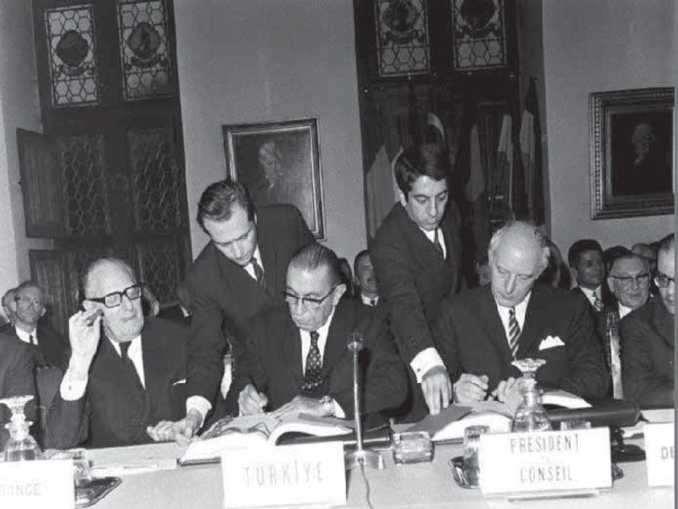 Türkiye, 1959 yılında genç AET ile yakın iş birliği içinde olmak ve bir ortaklık anlaşması kurmak isteyen ilk ülkelerden biridir.