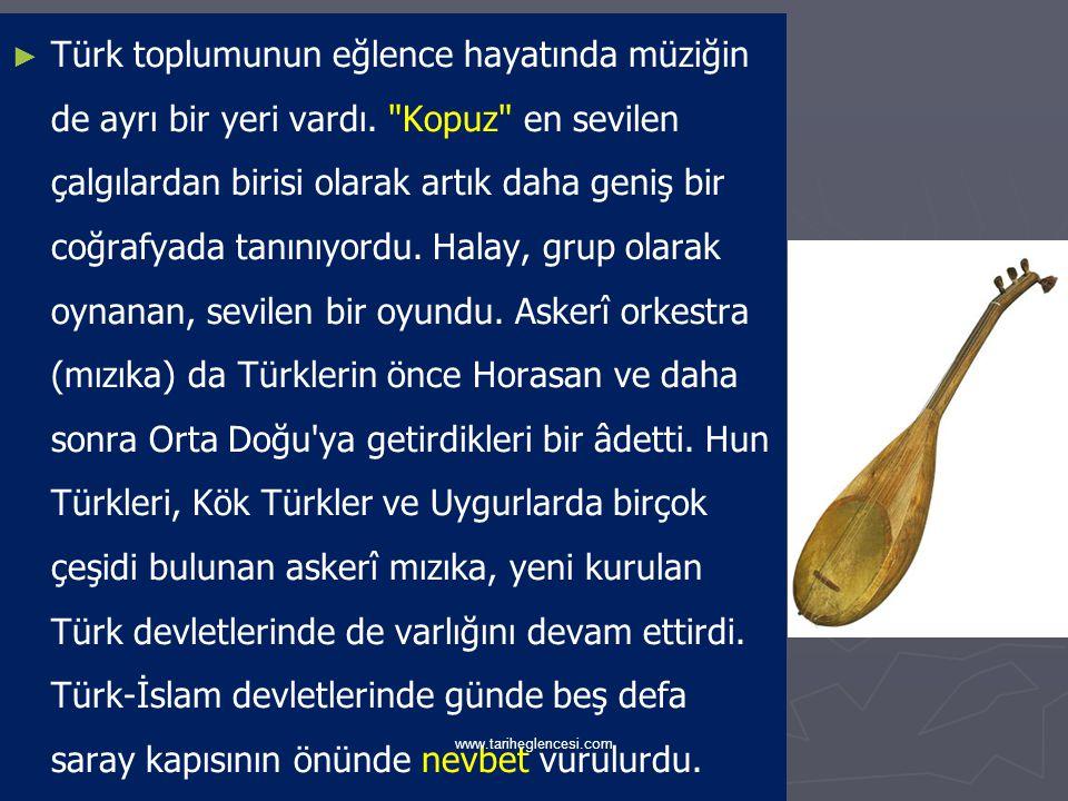 Toplumsal Yaşantı ► ► Türkler Müslüman olduktan sonra da kendilerine has Türkmen kıyafetlerini kullanmaya devam etmişlerdi.