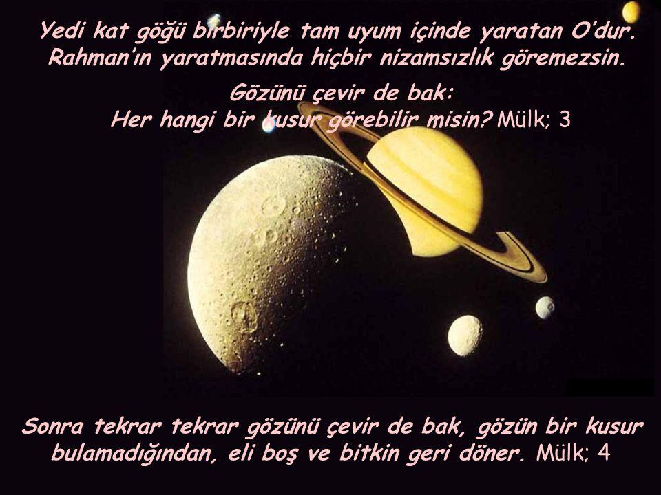 Gökte burçlar yaratan, onların içinde bir kandil (güneş) ve nurlu bir ay yerleştiren Allah, yüceler yücesidir, hayır ve ihsanı sınırsızdır.