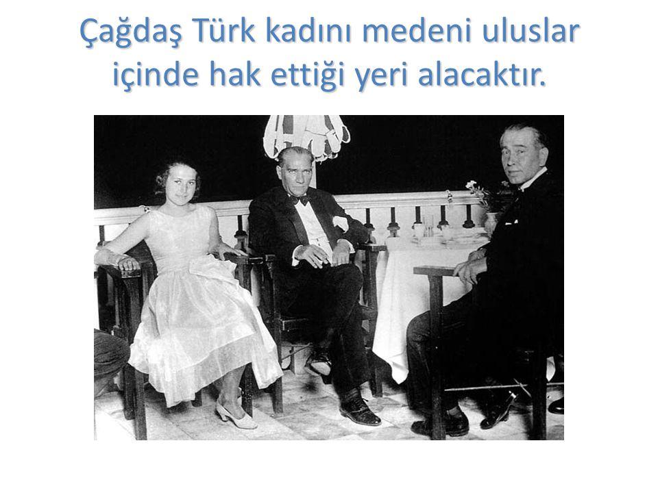 Atatürk tekne gezintisinde