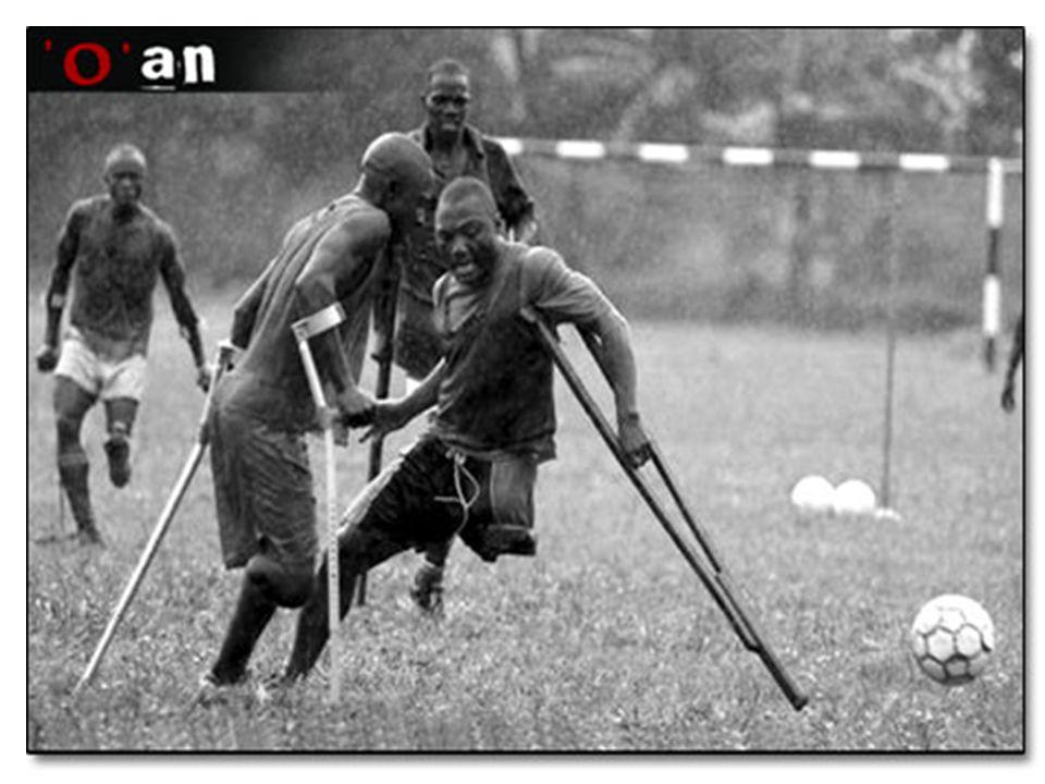 YANGIN SÖNDÜRME Amerikan THA Press-Enterprise ın foto muhabiri Mark Zaleski nin bir siyah-beyaz fotoğrafı.