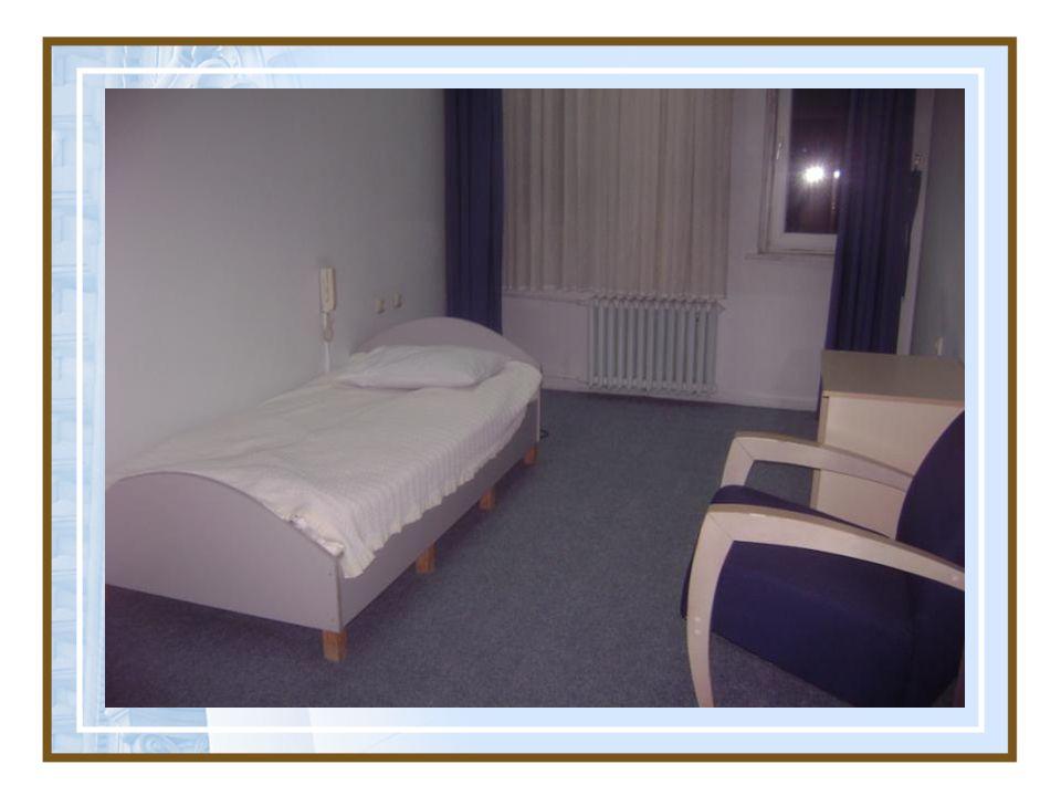 Bu nedenle yatak çevresinde tehlike yaratacak eşyalar kaldırılmalı, ortam güvenli hale getirilmelidir.
