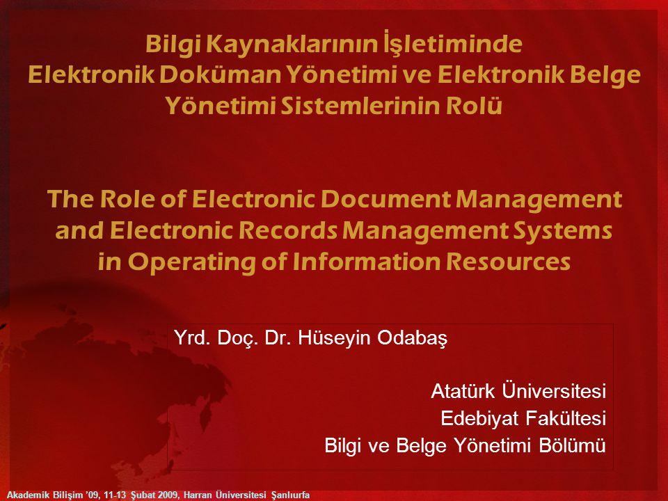 Elektronik belgelerin yasal, yönetsel ve kanıtsal olarak belge olarak kabul edilebilmesi için şu dört özelliğe sahip olması zorunludur: Özgünlük (originality) Güvenilirlik (reliability) Bütünlük (integrity) Kullanılabilirlik (usability) Elektronik belgelerin özgünlüklerini ve dolayısıyla yasal açıdan belge olma hüviyetini koruyabilmeleri için aynı zamanda sahip oldukları 'içerik' (content), 'bağlam' (context) ve 'yapısal' (structure) unsurların hiçbir şekilde tahrip olmaması zorunludur.