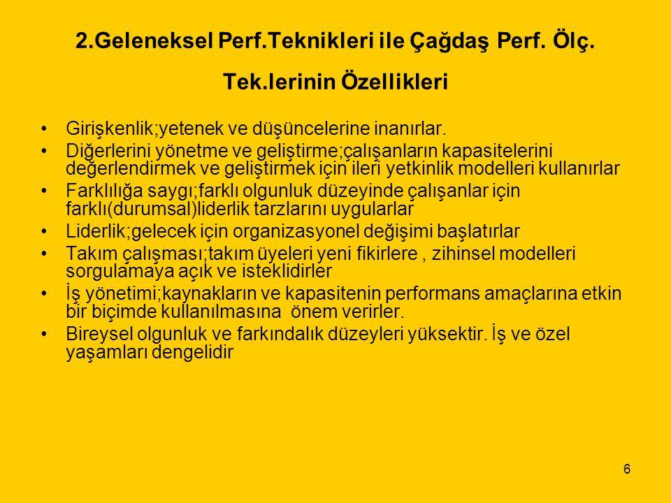 47 (10) Türk Kamu Yönetiminde Performansa Dayalı Ücret Sisteminin uygulanmasında genel olarak aşağıdaki engel ve dirençlerle karşılaşılabilir: Performansa dayalı ücret sistemi esas olarak toplu sözleşme sistemini etkisizleştiriyor.Sistem, çalışanlar arasında aşırı rekabete yol açar, işbirliği ve yardımlaşma yı azaltır, Sistemin,ücret bütünlüğünü bozduğu iddiası ile hukuksal işlemlerde artış gözlenir, İşten atılma korkusu ya da yüksek performans elde etme amacı, bireysel rekabeti en üst düzeye çıkarır