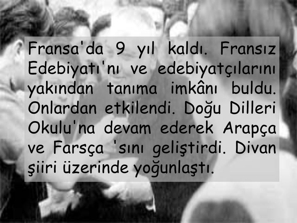 Yahya Kemal Beyatlı Türk şair ve yazarıdır. 1884 yılında Üsküp 'te dünyaya gelmiştir. Asıl adı Ahmed Agâh'tır. İlk öğrenimini Üsküp'te gördü. İstanbul