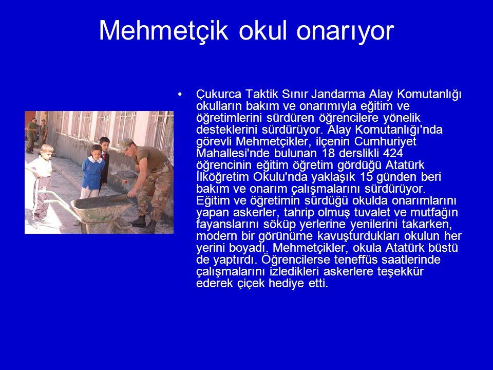 Mehmetçik okul onarıyor Çukurca Taktik Sınır Jandarma Alay Komutanlığı okulların bakım ve onarımıyla eğitim ve öğretimlerini sürdüren öğrencilere yönelik desteklerini sürdürüyor.