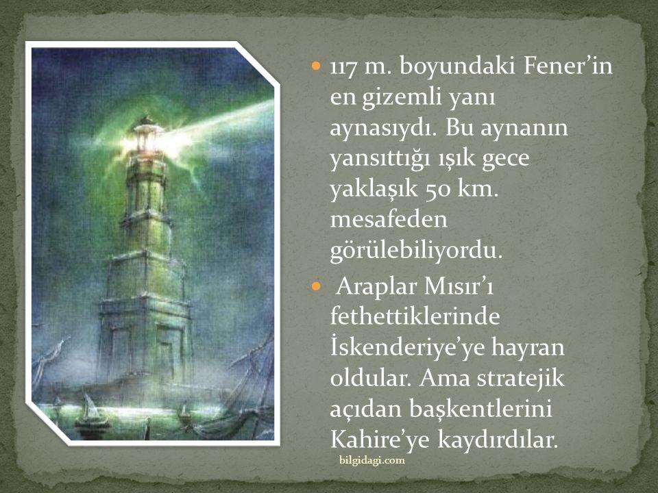 Büyük İskender'in ölümünden sonra kumandanı Ptolemy Soter, Mısır civarında güçlendi ve İskenderiye'yi kendine başkent yaptı. Kent kıyısında Faros isim