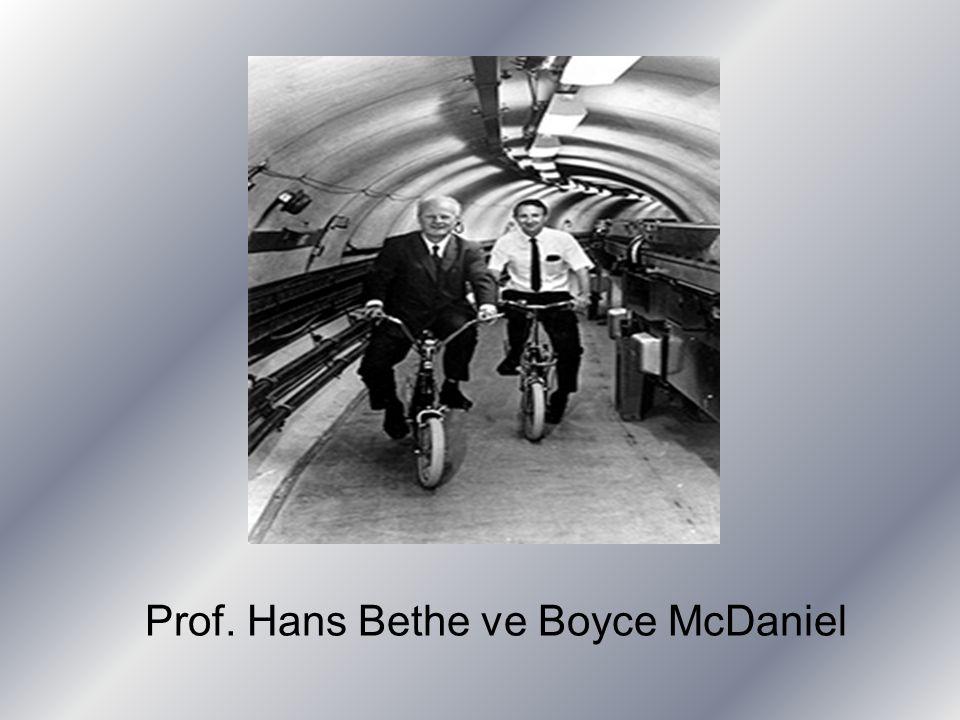 Prof. Hans Bethe ve Boyce McDaniel