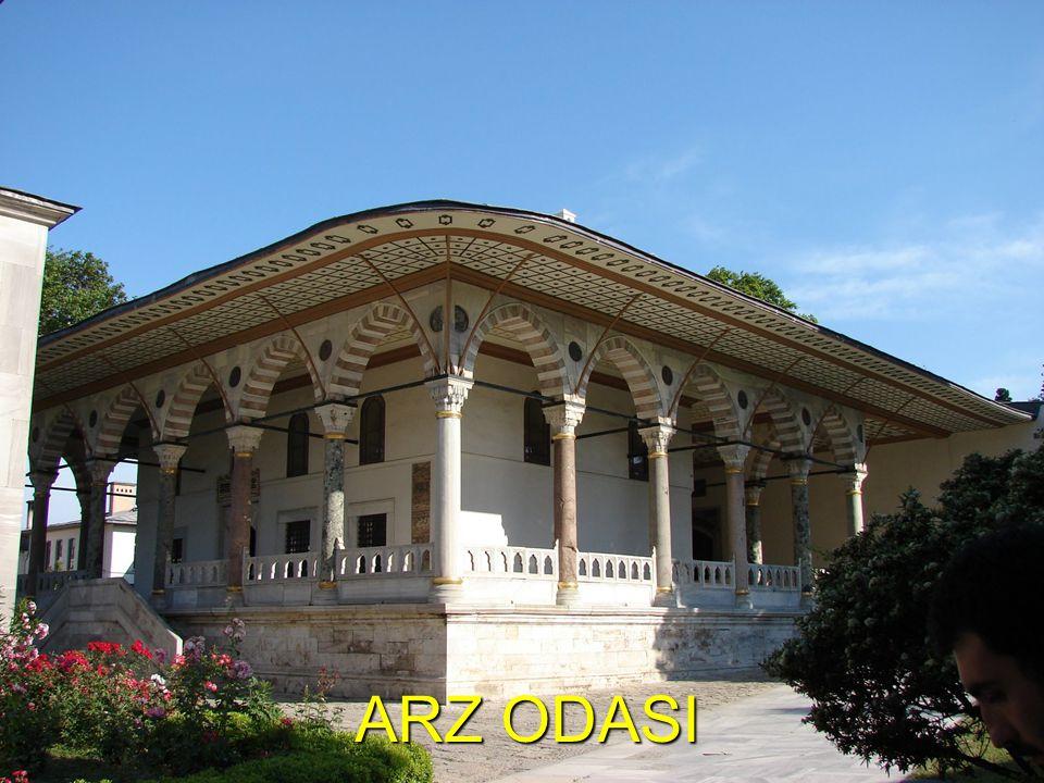 Osmanlı Devlet Yönetimi Merkezi Seyfiye Vezir-i azam Vezirler Yeniçeri Ağası Kaptan-ı Derya İlmiye - Kazasker -Şeyhülislam Kalemiye Nişancı Defterdar