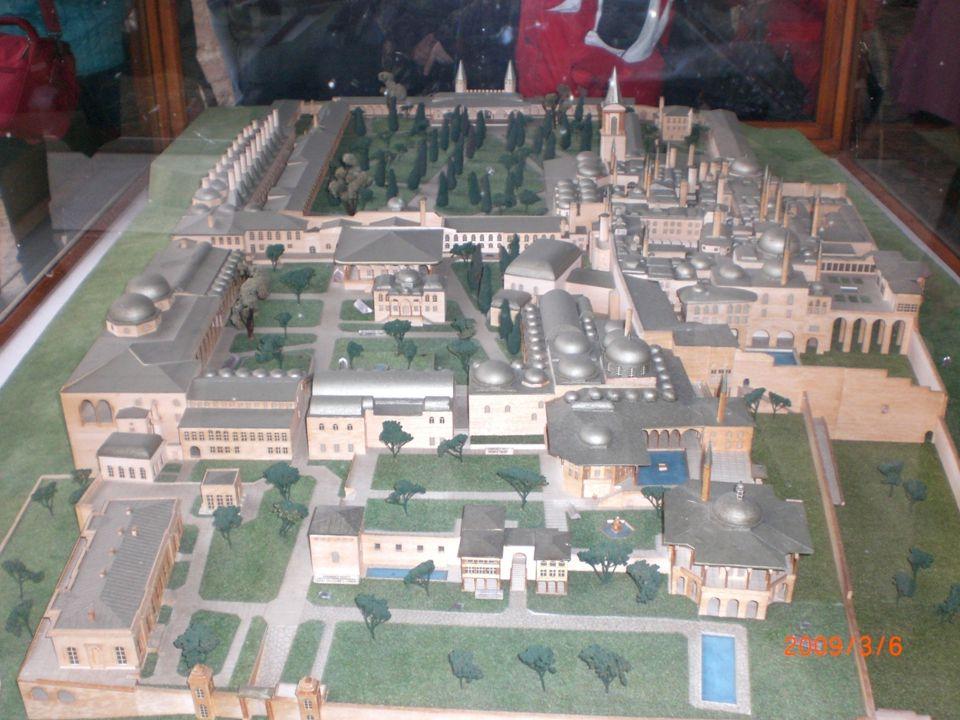 Tanzimat Fermanı'ndan sonra devlet işlerini görüşmek amacıyla çeşitli alanlarda yeni meclisler oluşturulmuştur.