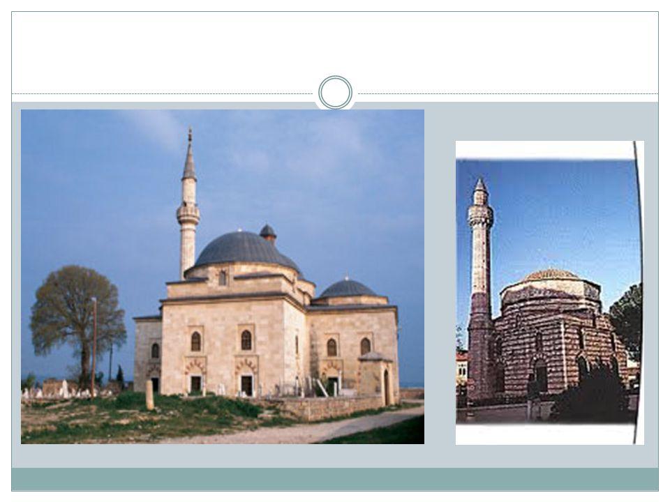 Ethem Bey Camii 18.y ü zyılda Tiran valisi Ethem Bey tarafından yaptırılmıştır ancak Ethem Bey,Camii inşa edilmeden vefat ettiğinden Camii nin yapımını oğulları tamamlamıştır.
