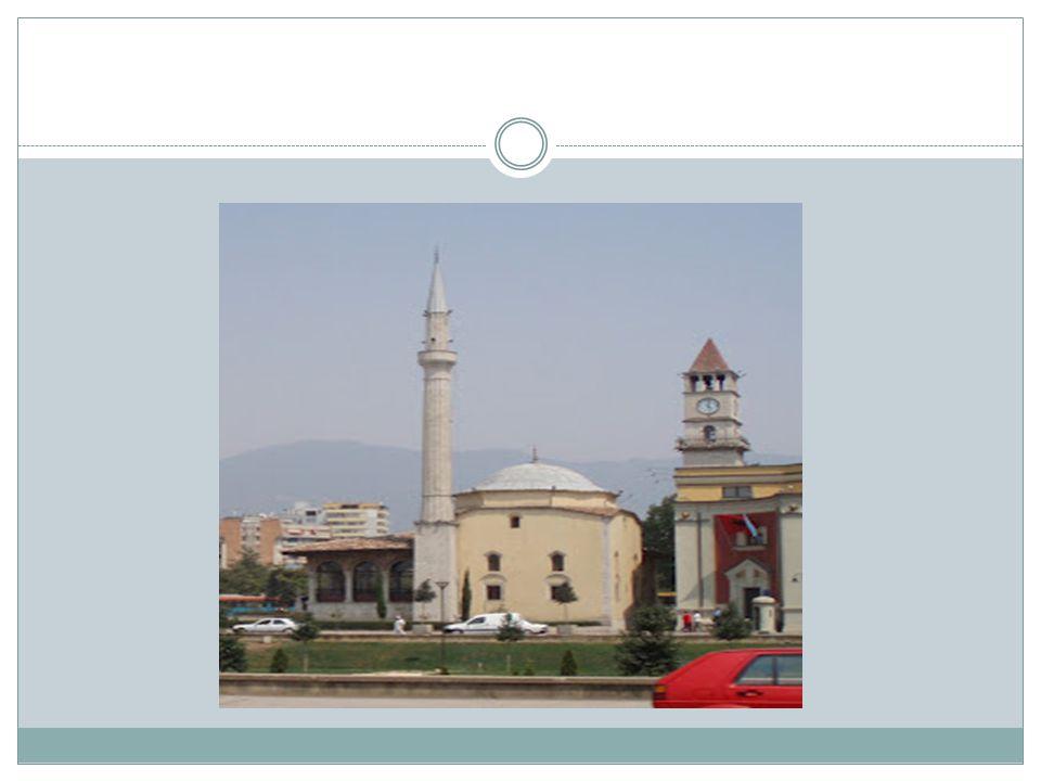 Şeyh Mustafa Türbesi Şeyh Mustafa Türbesi ise kentin en merkezi yerlerinden Dörtyol'da bulunuyor.