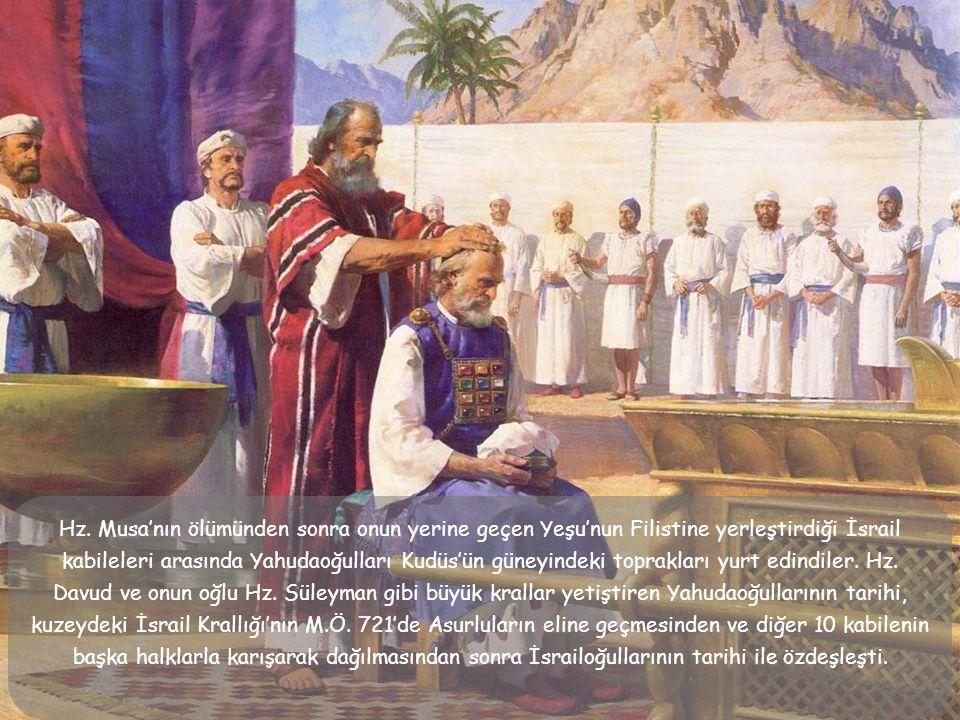 8.M.Ö. 598 Peygamber Ezekhielde (Hezekiel) beraber olmak üzere, Babil'e ilk göç başladı.