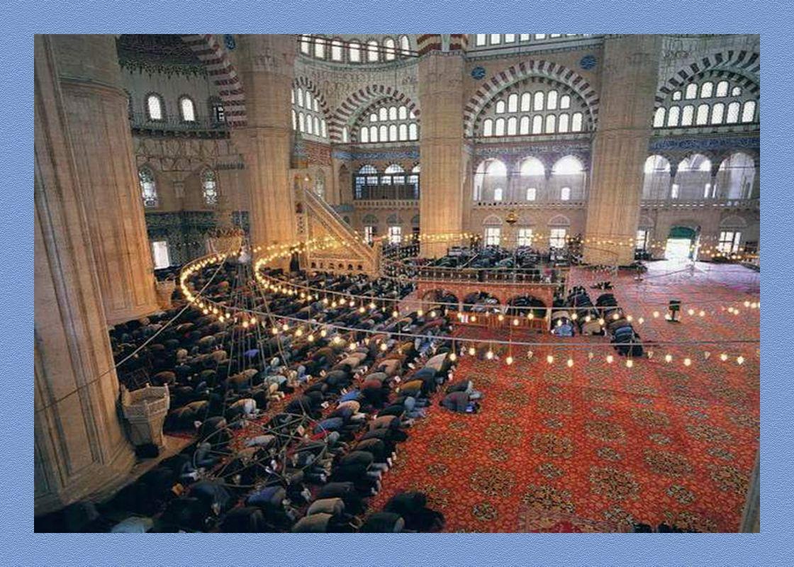 CAMİDE NELERE DİKKAT ETMELİYİZ Camiye gelince bir yere oturulur ve sessiz olunur.