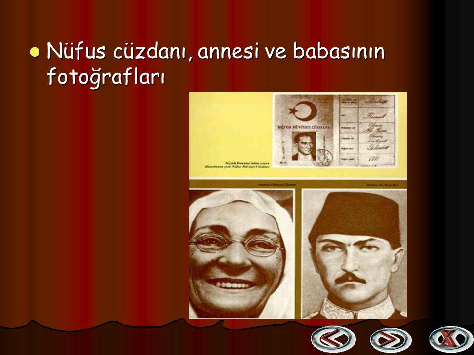 Nüfus cüzdanı, annesi ve babasının fotoğrafları Nüfus cüzdanı, annesi ve babasının fotoğrafları
