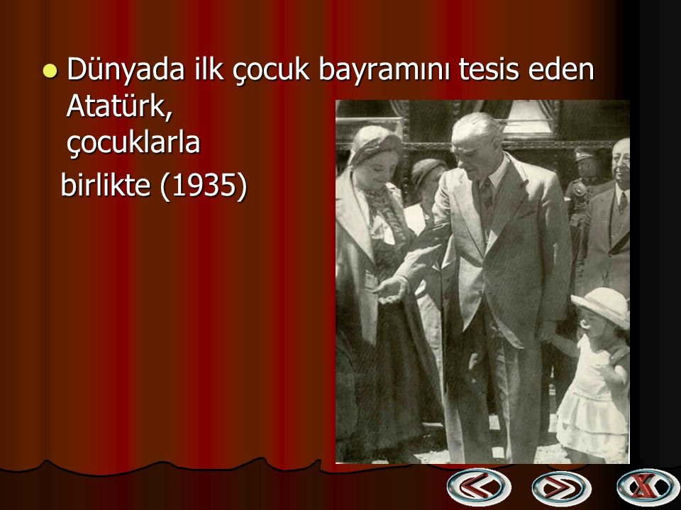 Cumhurbaşkanı Gazi Mustafa Kemal, Sakarya Motoru'nda küçük Ülkü ile Boğaz gezisinde (1934) Cumhurbaşkanı Gazi Mustafa Kemal, Sakarya Motoru'nda küçük