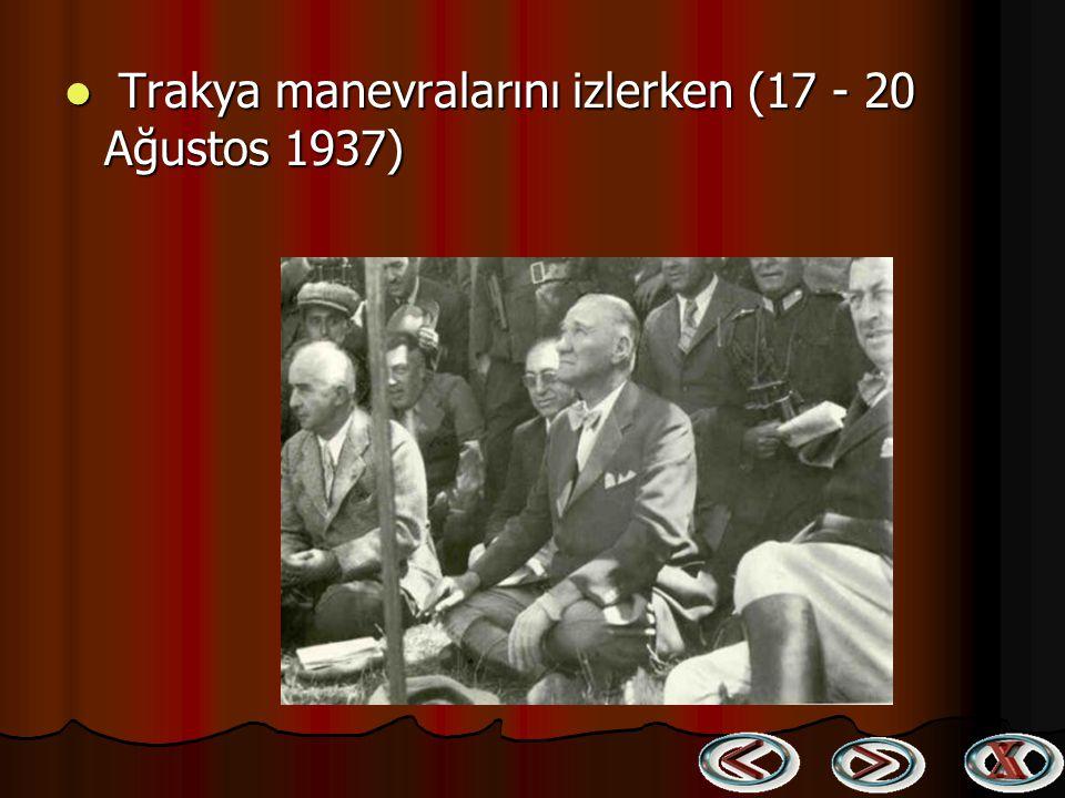 Atatürk kız kardeşi Makbule Atadan ve manevi kızları Ülkü ve Atatürk kız kardeşi Makbule Atadan ve manevi kızları Ülkü ve Sabiha Gökçen ile birlikte i