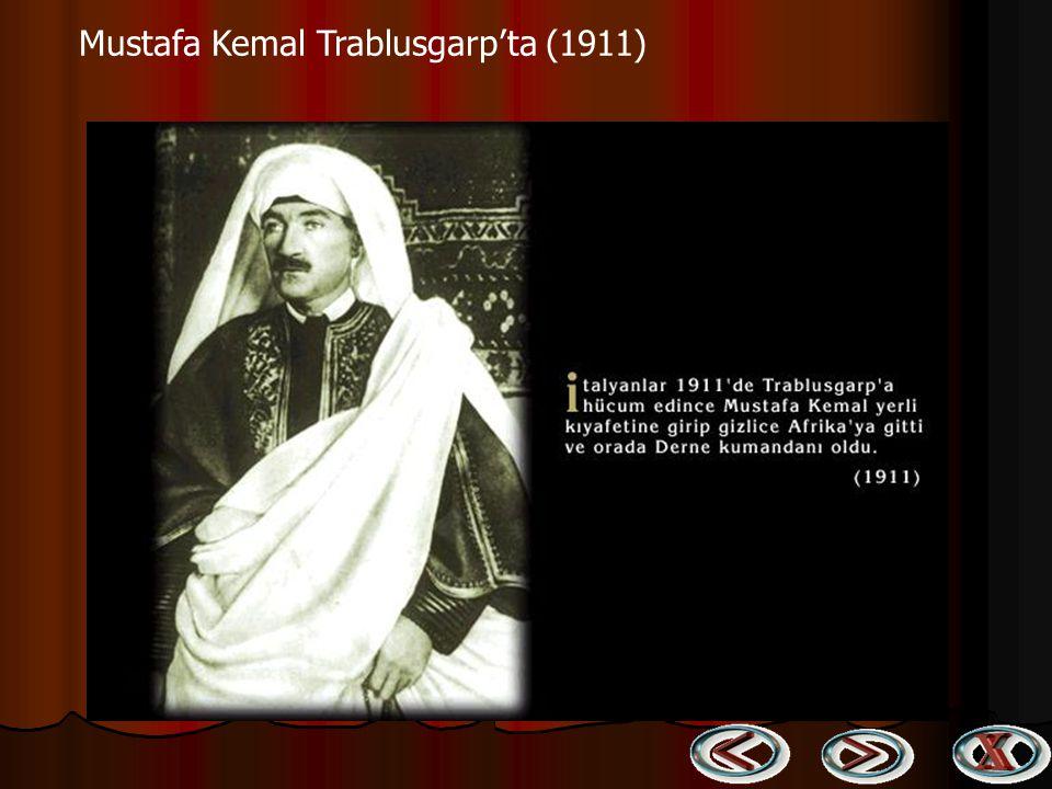 Mustafa Kemal yaverleri ile (1918) Halep