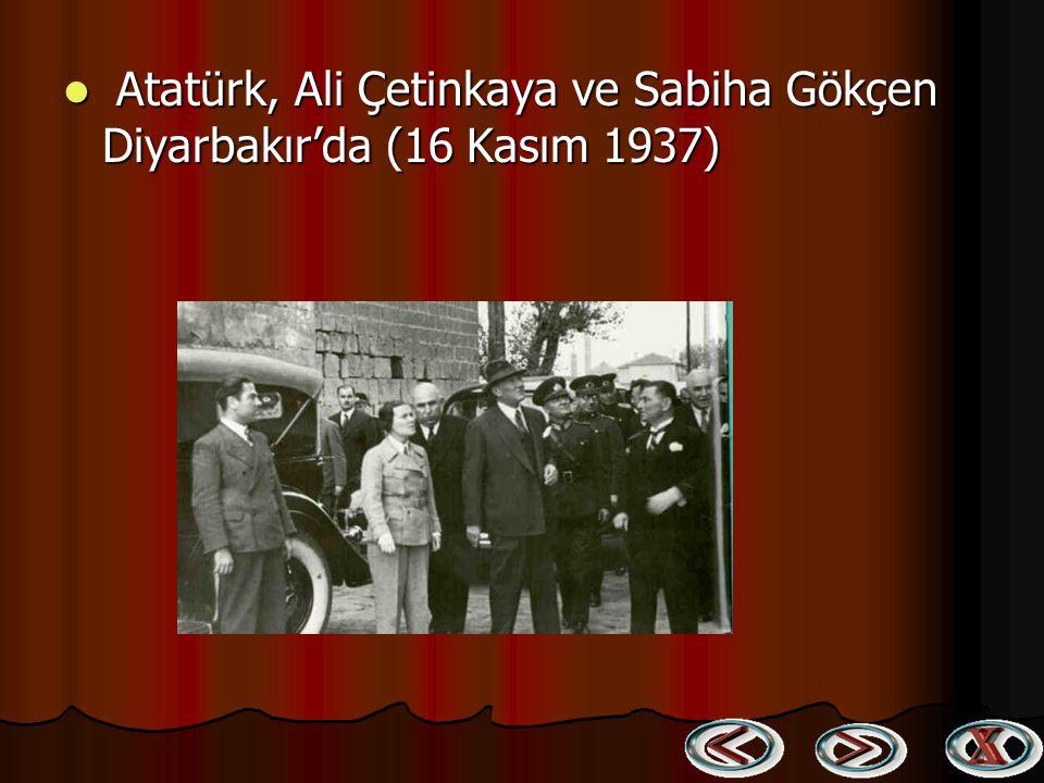 Atatürk, Celal Bayar ve Şükrü Kaya için Malatya'da yapılan bir karşılama töreni (14 Kasım 1937) Atatürk, Celal Bayar ve Şükrü Kaya için Malatya'da yap