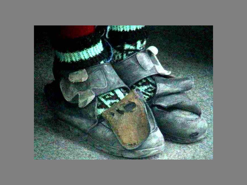 2005 VAN – 4000 çocuğa 400 ayakkabı Kampanyası Kerim Tuncer İlköğretim Okulu