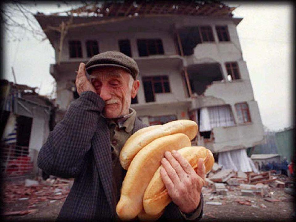 Dünya Uygulamaları TÜRKİYEABD - KALİFORNİYAYENİ ZELANDA ADIDoğal Afet Sigortaları Kurumu (DASK) California Earthquake Authority (CEA) New Zealand Earthquake Commission (EQC) K.YILI200019961993 - Bugünkü yapılanma (1944-Fon şeklinde kuruluş) TÜRÜZorunluİhtiyariYangın poliçesi ekinde zorunlu SERMAYE -700 milyon $1,5 milyar NZD YÖNTEMSigorta şirketleri yoluyla KAPSAMKonut / Deprem Konut / deprem, yer kayması,… FİYAT2%15 (%10 seçimlik)1% Değişken Fiyat (Max: Binde 5) Değişken Fiyat (Max: Binde 5,25) Sabit Fiyat: Onbinde 6