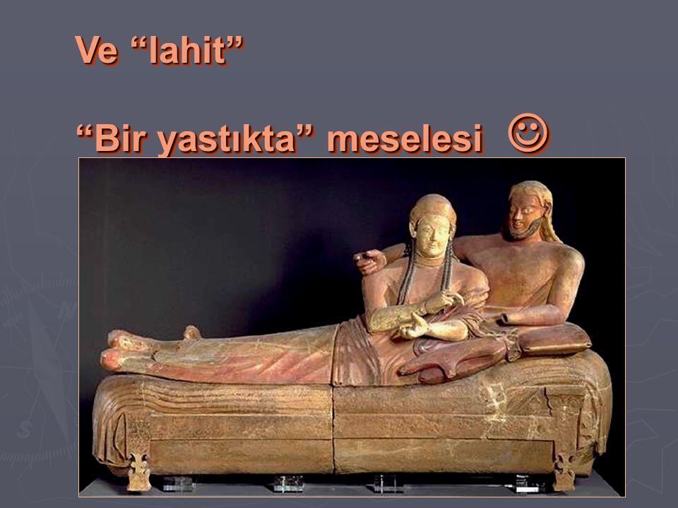 """Ve """"lahit"""" """"Bir yastıkta"""" meselesi """"Bir yastıkta"""" meselesi Ve """"lahit"""" """"Bir yastıkta"""" meselesi """"Bir yastıkta"""" meselesi"""