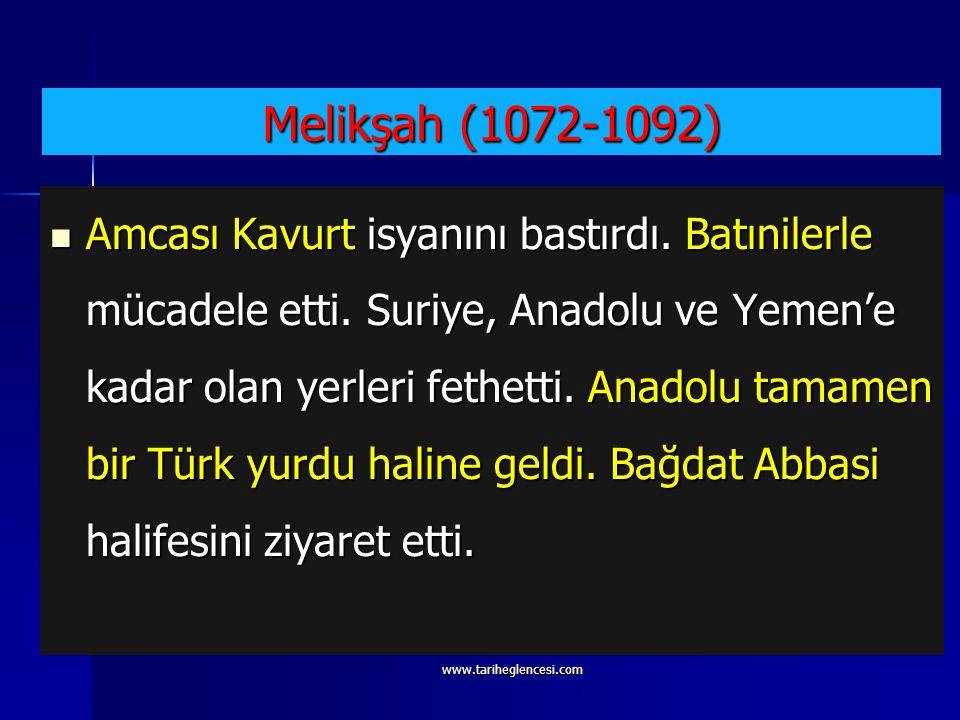 """Sultan Alparslan'ın Merv şehrindeki türbe kitabesi şu şekildedir. """"Ey Alparslan'ın göklere yükselmiş şan ve şöhretini görenler, gelin de onun nasıl to"""