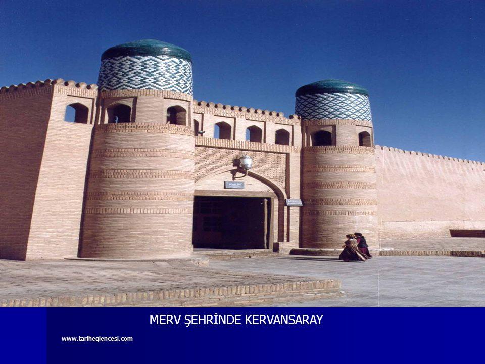 www.tariheglencesi.com EDEBİ ESERLER SİYASETNAME: Büyük Selçukluları Vezirazamı Nizamülmülk tarafından yazılmıştır. Dönemin aksayan yönleri konu alınm