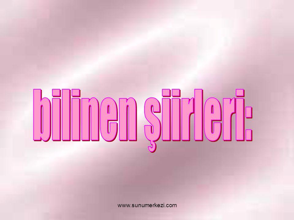 İstanbul u dinliyorum, gözlerim kapalı Önce hafiften bir rüzgar esiyor; Yavaş yavaş sallanıyor Yapraklar, ağaçlarda; Uzaklarda, çok uzaklarda, Sucuların hiç durmayan çıngırakları İstanbul u dinliyorum, gözlerim kapalı.