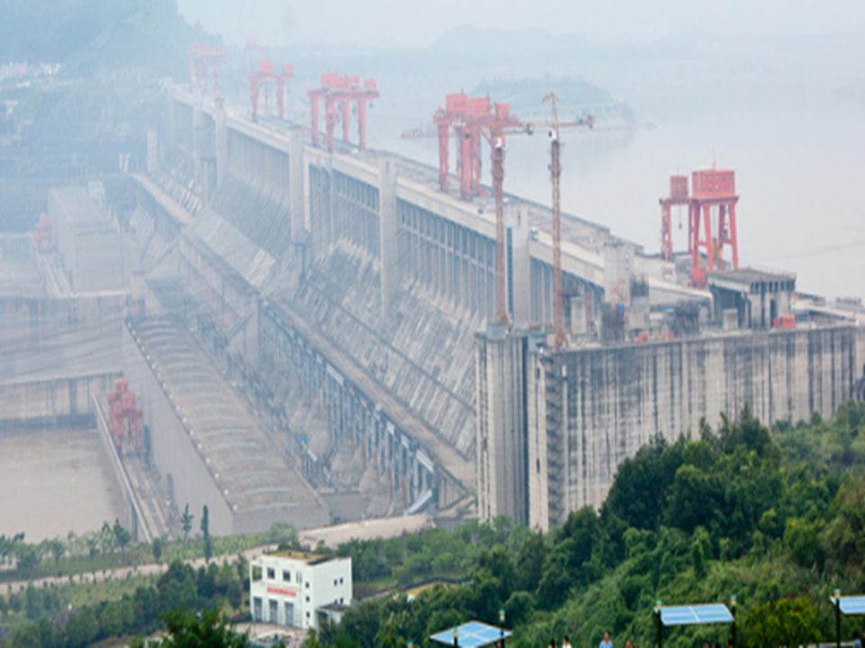  Şuanda yapımı bitmiş dünyanın en büyük ikinci barajı Grande Dixence barajıdır.