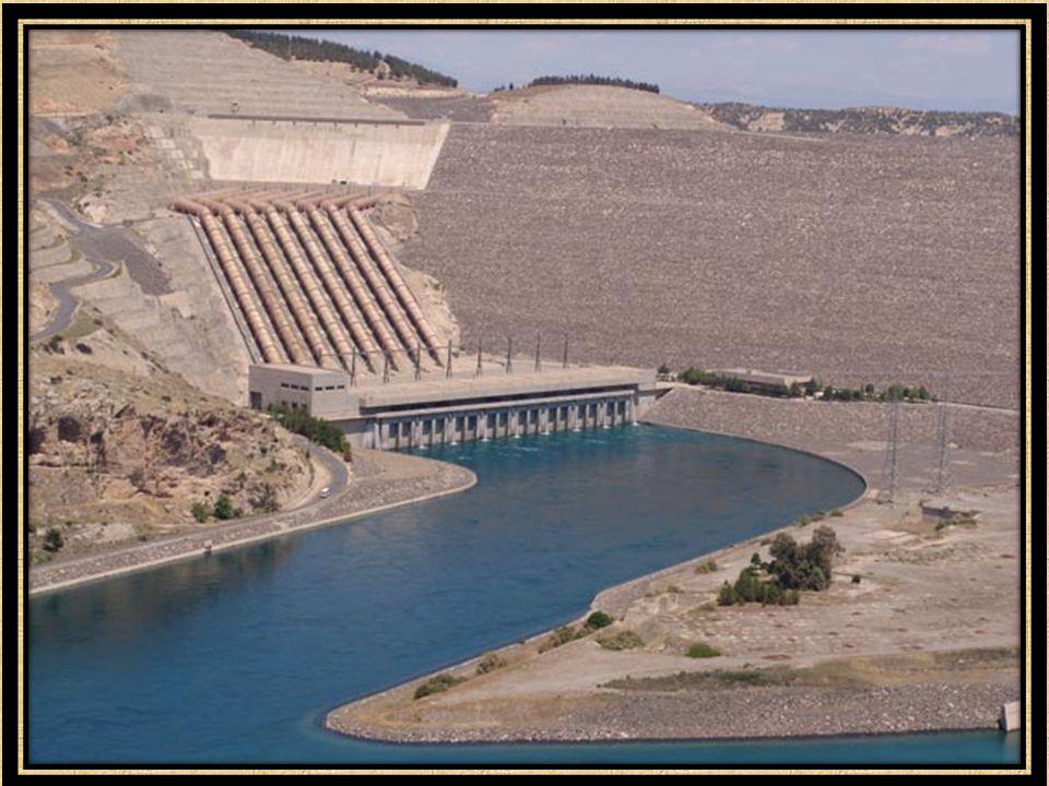  Elazığ Keban ilçesinde Fırat Nehri üzerinde 1965 yılında kurulmuştur.