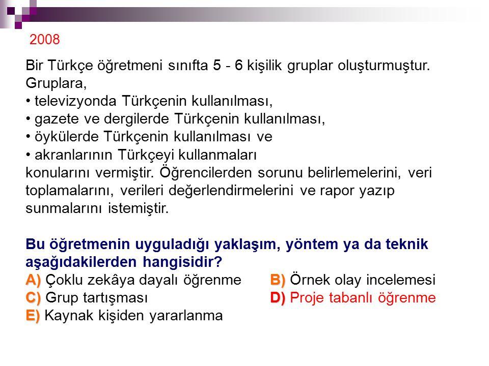 Bir Türkçe öğretmeni sınıfta 5 - 6 kişilik gruplar oluşturmuştur. Gruplara, televizyonda Türkçenin kullanılması, gazete ve dergilerde Türkçenin kullan