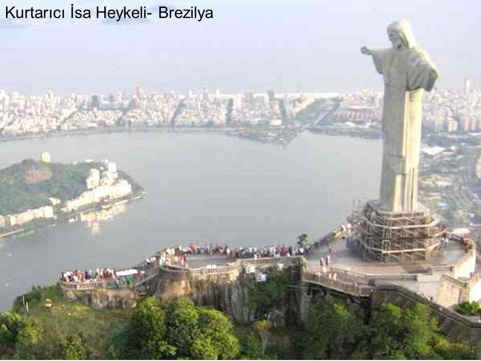 Kurtarıcı İsa Heykeli- Brezilya