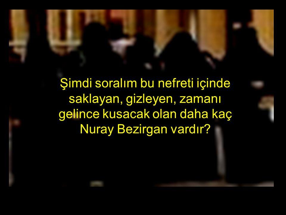 Bu fotoğraf Devlet töreni yle verilince cumhuriyet ve Atatürk düşmanlarını hem cesaretlendiriyor hem de ellerine bir koz veriyor.