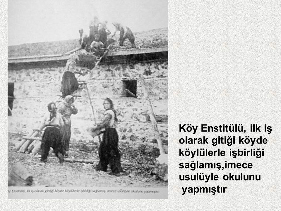 Köy Enstitülerinde Karma öğretim yapılıyor, kız-erkek öğrenciler bir arada öğrenim görüyorlardı Antalya – Aksu Köy Enstitüsü öğrencileri öğretmenleri MeftuneTansel ile birlikte
