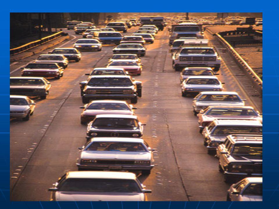 Gürültü kirliliği şehirsel bazda: trafiğin yoğun olması, sürücülerin yersiz ve zamansız klakson çalmaları endüstri bölgelerinden çıkan gürültüler Meskenlerde ise televizyon ve müzik aletlerinden çıkan yüksek sesler, zamansız yapılan bakım ve onarımlar
