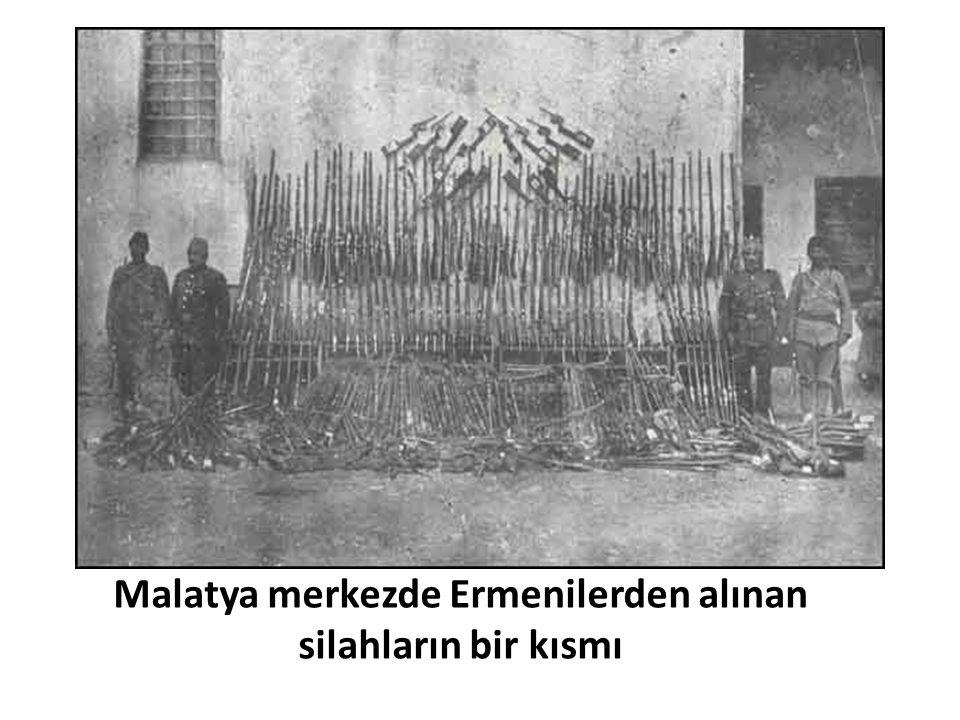 Malatya merkezde Ermenilerden alınan silahların bir kısmı