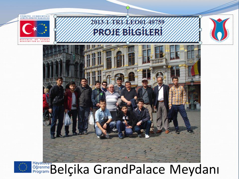 Belçika GrandPalace Meydanı