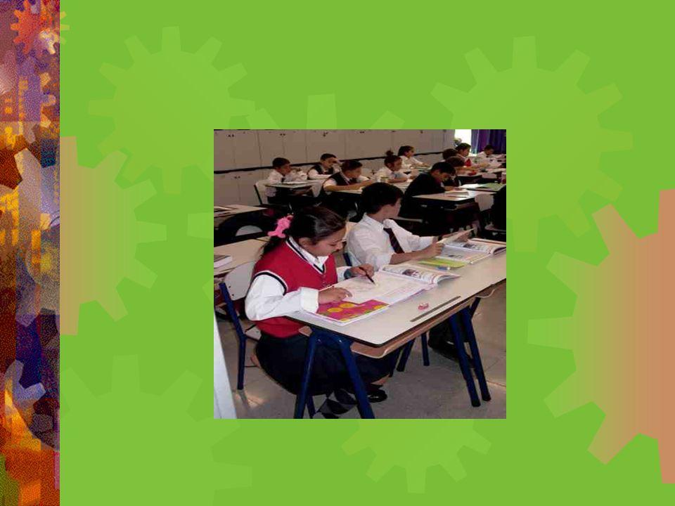 OKUL BAŞARISININ ÖN KOŞULU: OKUL AİLE DAYANIŞMASI  Anahtar sözcükler : - Okul aile ilişkisi, Öğrenci başarısı - Anne baba ve okul işbirliği