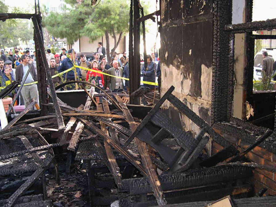 Bayındırlık Bakanlığı yetkilileri bu tabloyla özellikle kamu binalarında yangın algılama ve uyarma sistemlerini yapılmaz hale getirmektedirler.
