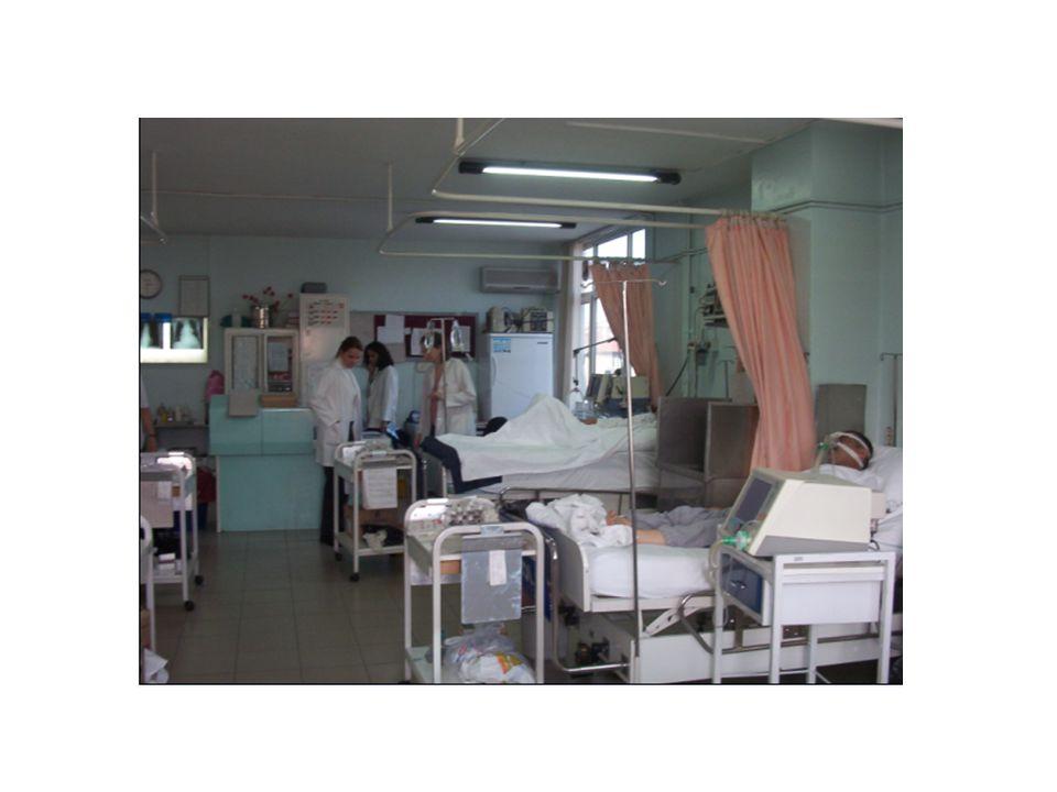 Solunum Yetmezliği : Tanım Vücudun metabolik ihtiyacını akciğerlerin karşılayamaması Akciğerlerin gaz değişimi yönünden yetersiz kalması Yetersiz doku oksijenasyonu ve /veya karbondioksit birikir Arter kan gazları analiziyle tanımlanır: Oda havası solurken PaO 2 < 60 mmHg ve/ veya PaCO 2 > 45-50 mmHg