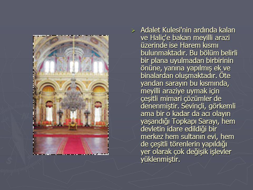 DDışı her ne kadar Avrupa saraylarına benzese de Dolmabahçe Sarayı nın içi Türk İslam yaşamına uygun bir biçimde düzenlenmiştir.