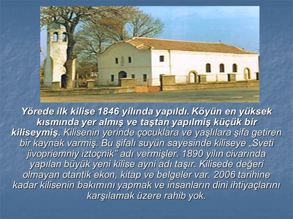 Yörede ilk kilise 1846 yilında yapıldı. Köyün en yüksek kısmında yer almış ve taştan yapılmiş küçük bir kiliseymiş. Kilisenin yerinde çocuklara ve yaş