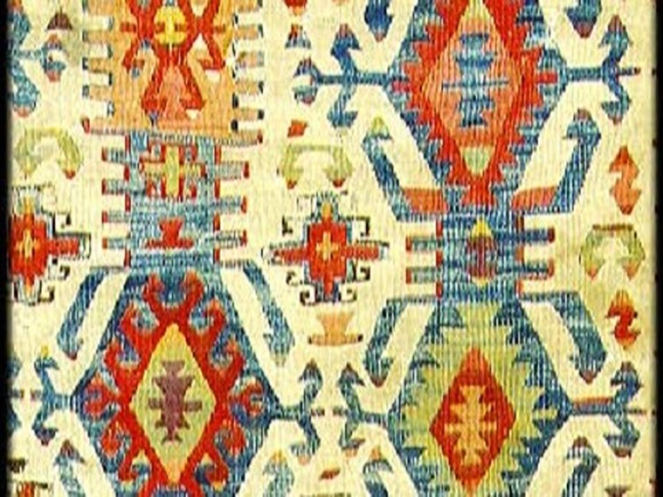 Türk Dil Kurumu sözlüğüne göre ise, kültür (ekin, eski dilde hars) kavramının tanımı şu şekildedir: Türk Dil Kurumu Tarihsel, toplumsal gelişme süreci içinde yaratılan bütün maddi ve manevi değerler ile bunları yaratmada, sonraki nesillere iletmede kullanılan, insanın doğal ve toplumsal çevresine egemenliğinin ölçüsünü gösteren araçların bütünü. Sosyolojik olarak, kültür bizi saran, insanlardan öğrendiğimiz toplumsal mirastır.mirastır