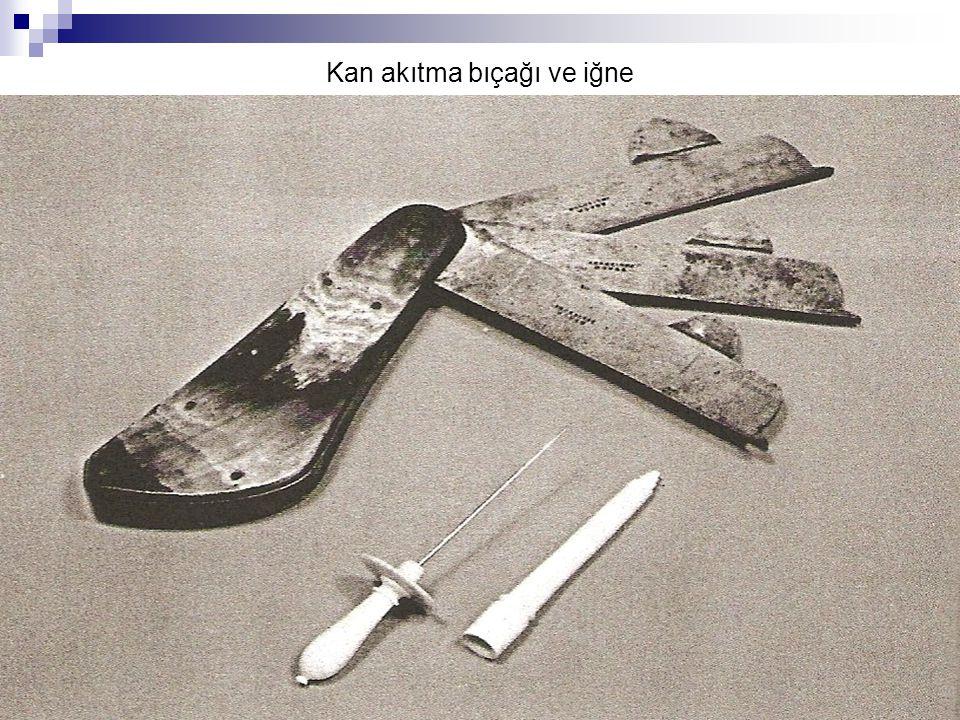 Kan akıtma bıçağı ve iğne