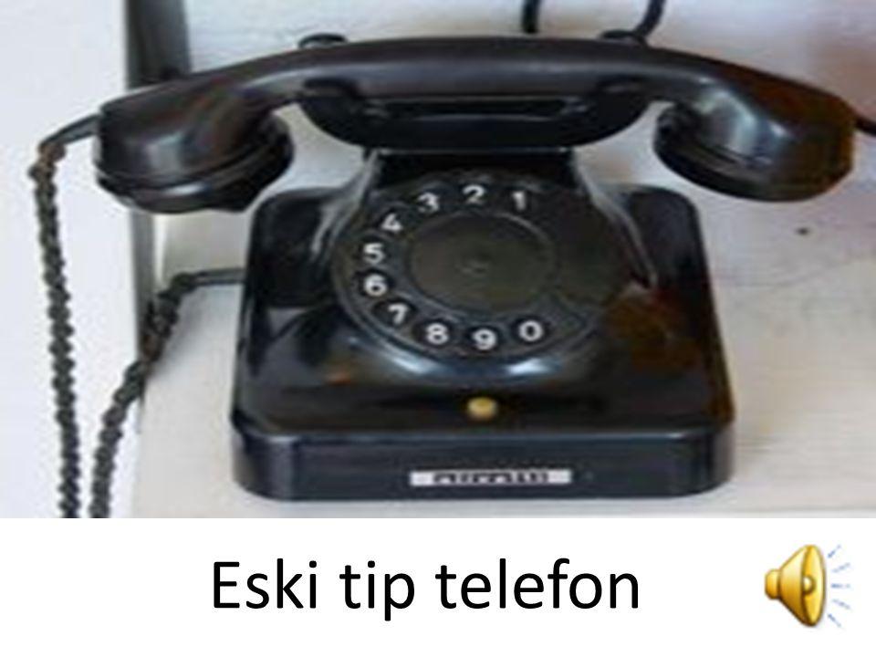 Telefonun patentini 7 Mart 1876'da aldı. İlk telefon şirketi olan Bell Telefon Şirketini 1877'de kurdu.